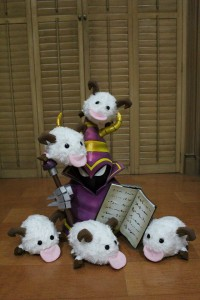 A sample of Akemi-chan's work. Poros.
