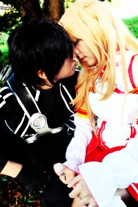 Knaix-Ojou and Aaron Stark Arcay as Asuna and Kirito from Sword Art Online. Photo by Ruby Espinosa.